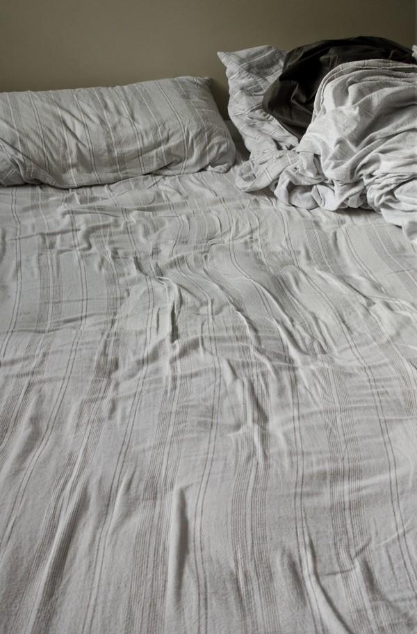 04.Sara_McKarney_Bed_Linens_No.20